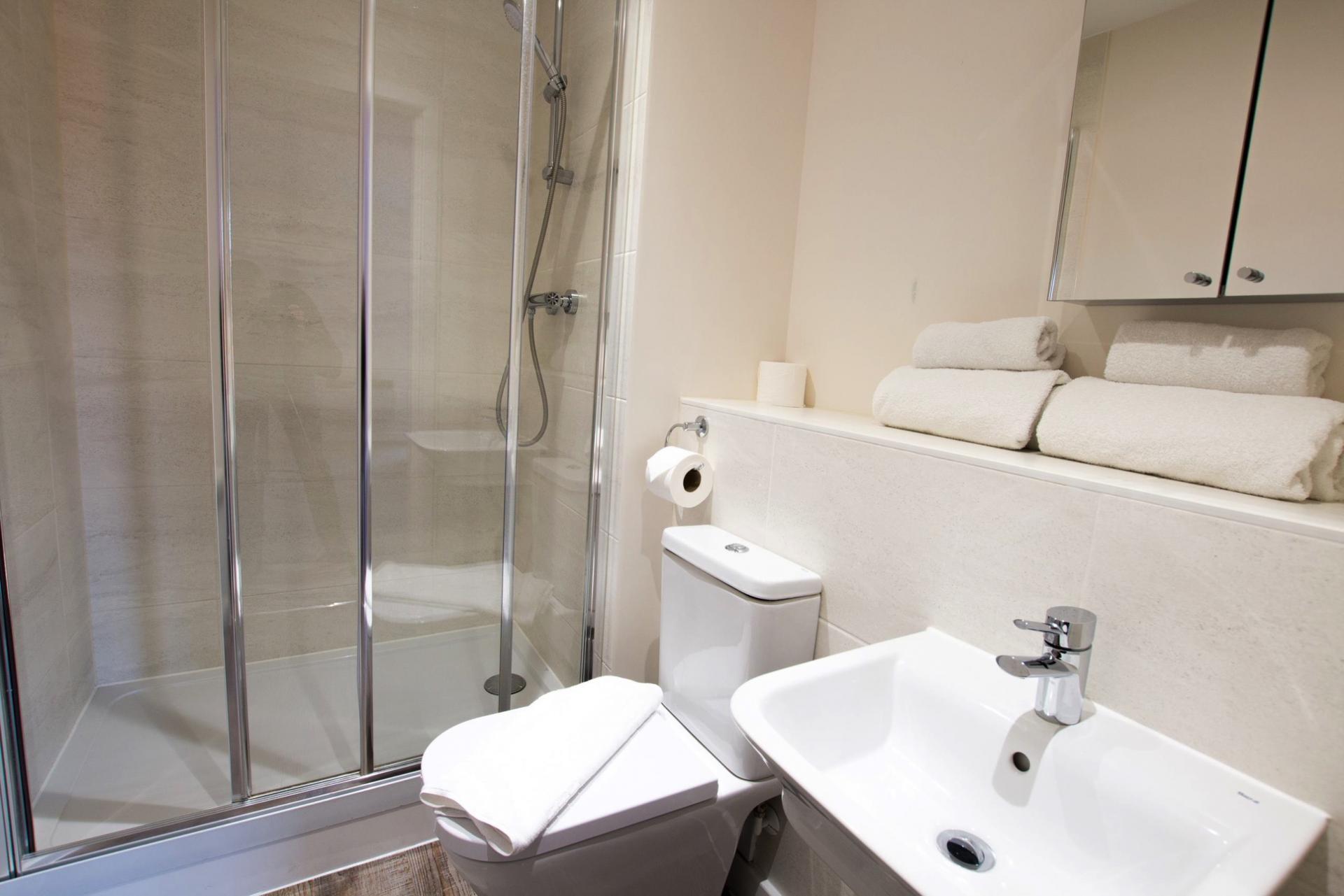 Shower at Charles Hope Southampton City Apartments - Citybase Apartments