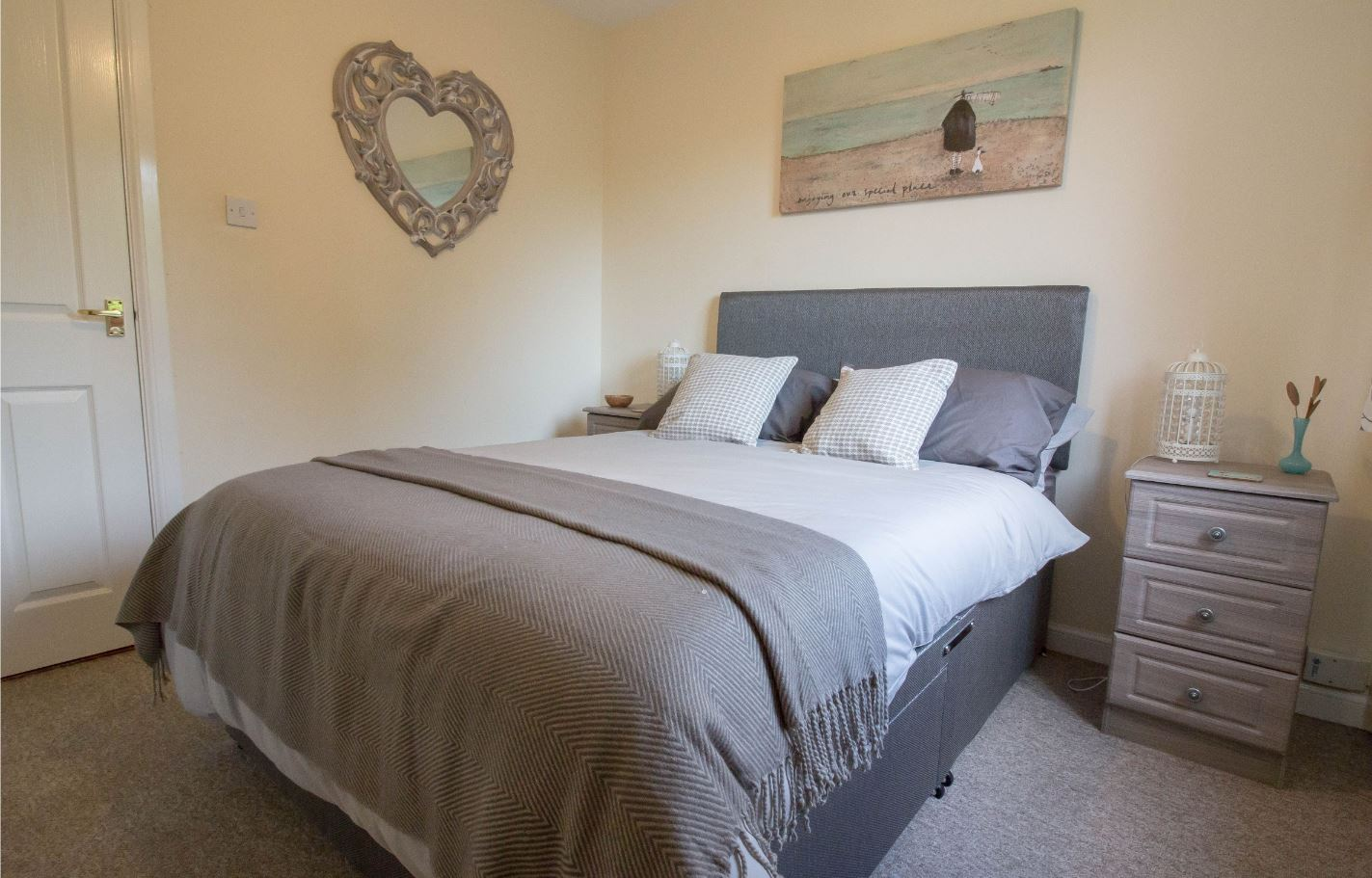 Bedroom at South Groathill Serviced Apartment - Citybase Apartments