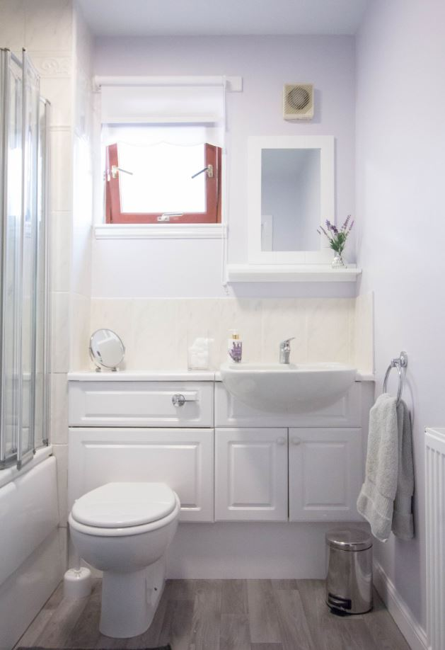 Bathroom at South Groathill Serviced Apartment - Citybase Apartments
