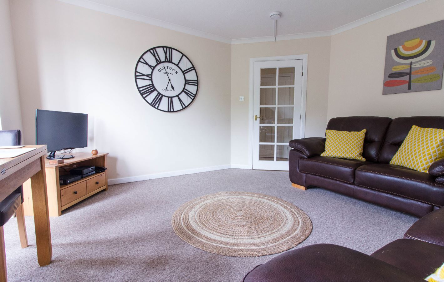 TV at South Groathill Serviced Apartment - Citybase Apartments
