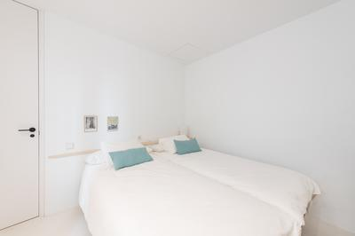 Twin beds at Delicias Apartment - Citybase Apartments