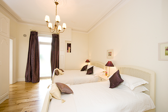 Spacious bedroom at Tyrconnell Road Apartments - Citybase Apartments
