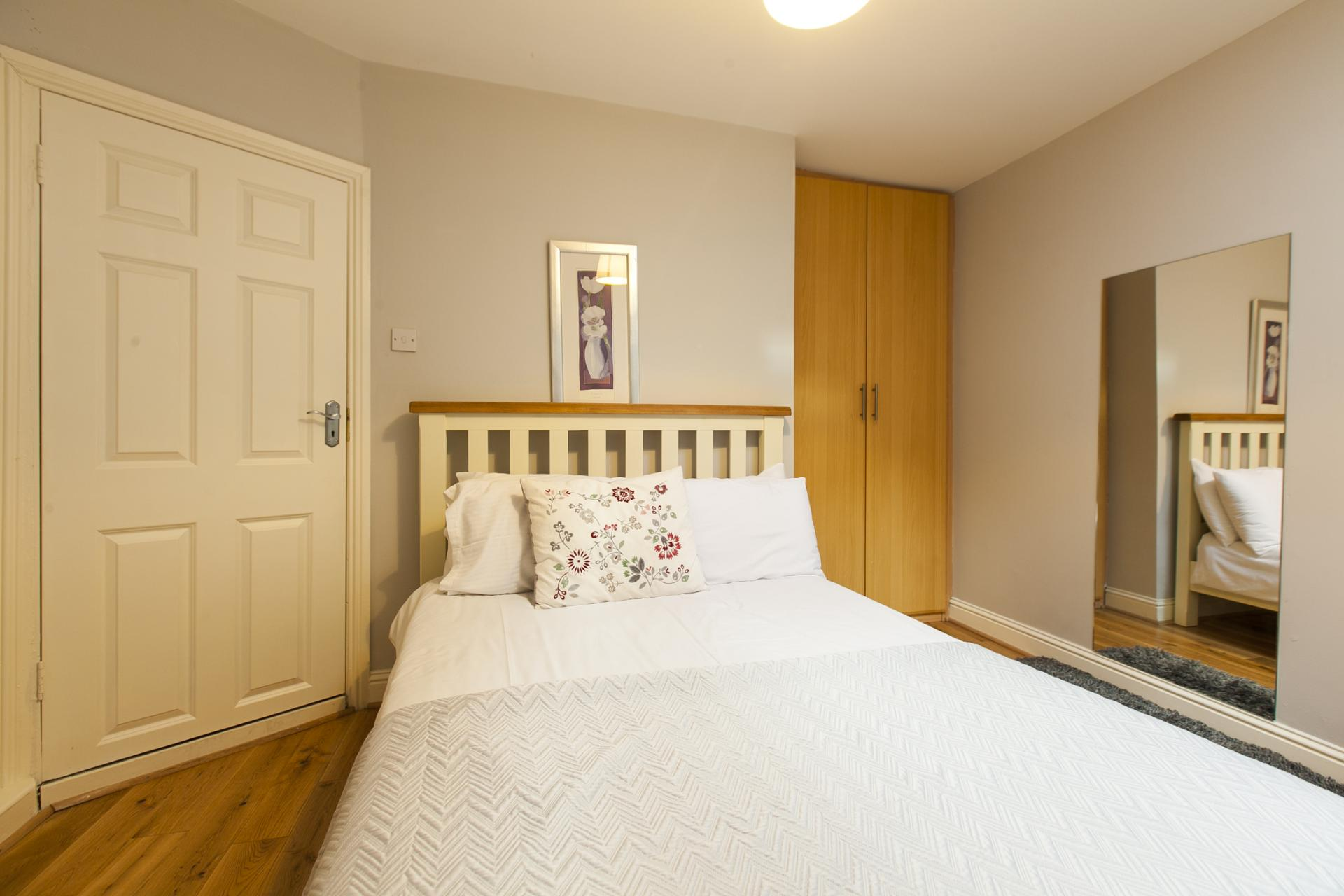 Bedroom at Tyrconnell Road Apartments - Citybase Apartments