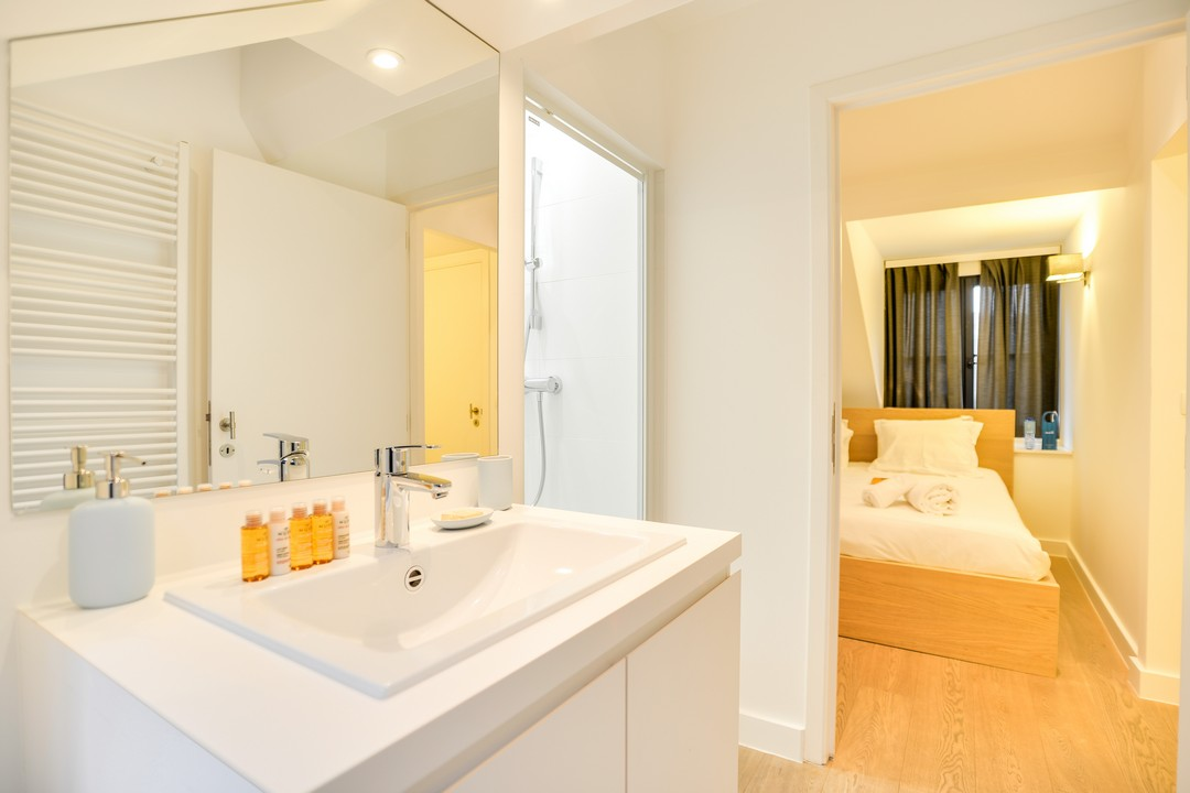 Bathroom at Sablons Apartment - Citybase Apartments