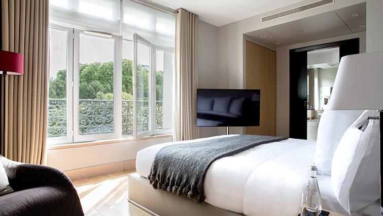 TV at La Reserve Paris Apartments - Citybase Apartments