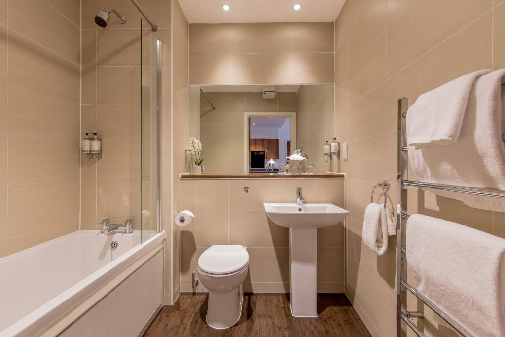 Bath at Stewart Aparthotel, Centre, Edinburgh - Citybase Apartments