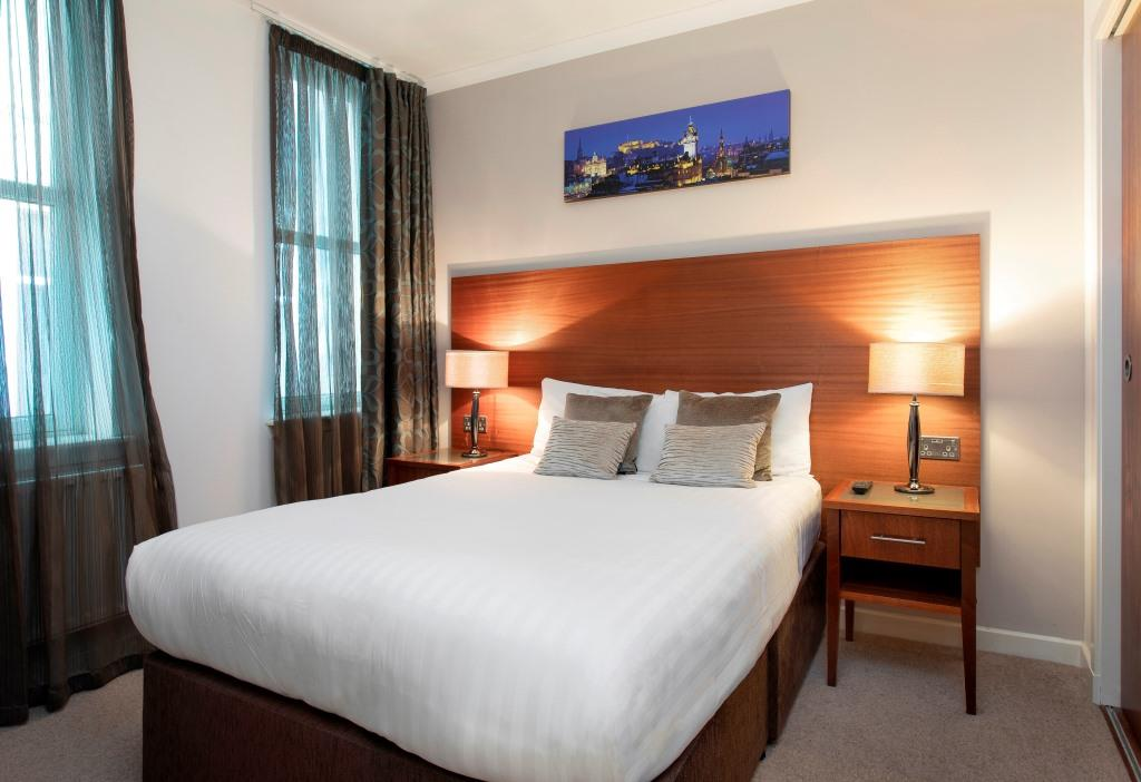 Bedding at Stewart Aparthotel, Centre, Edinburgh - Citybase Apartments