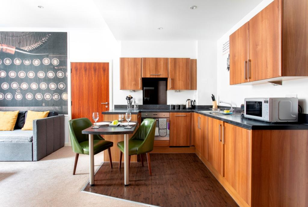 Microwave at Stewart Aparthotel, Centre, Edinburgh - Citybase Apartments