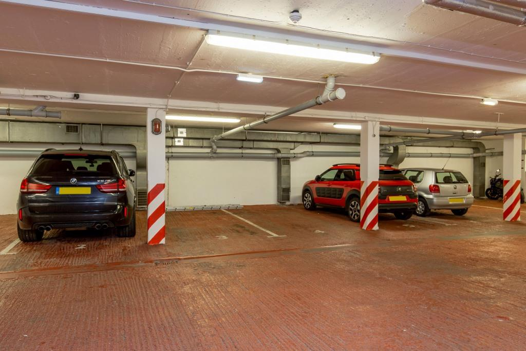 Parking at Stewart Aparthotel, Centre, Edinburgh - Citybase Apartments