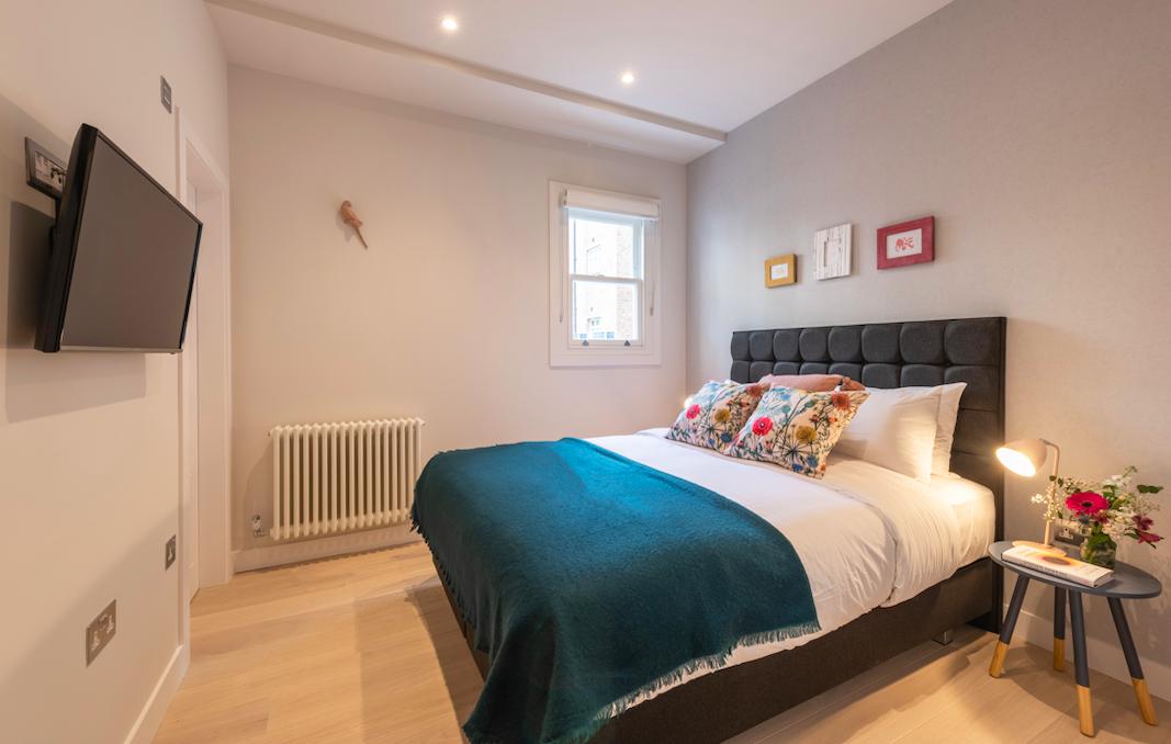 Stylish bedroom at Kensington High Street Serviced Apartments - Citybase Apartments