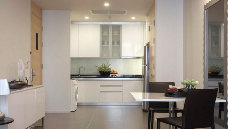 Spectacular kitchen in Somerset Sukhumvit Thonglor Apartments - Citybase Apartments