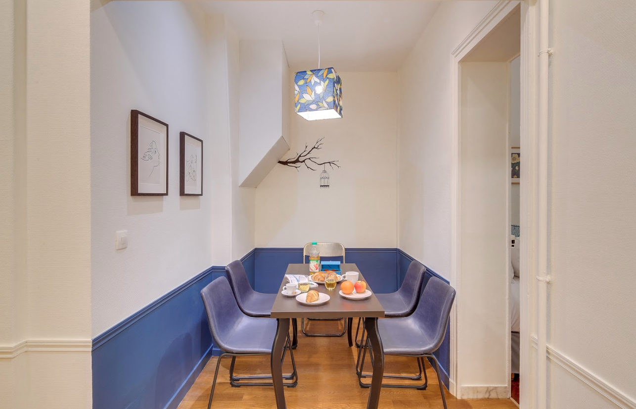 Dining table at Messine Apartment - Citybase Apartments