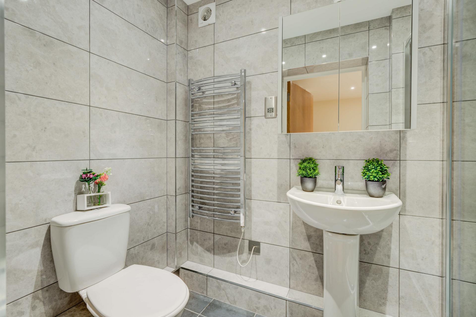 Bathroom at Mill Cross Apartment - Citybase Apartments