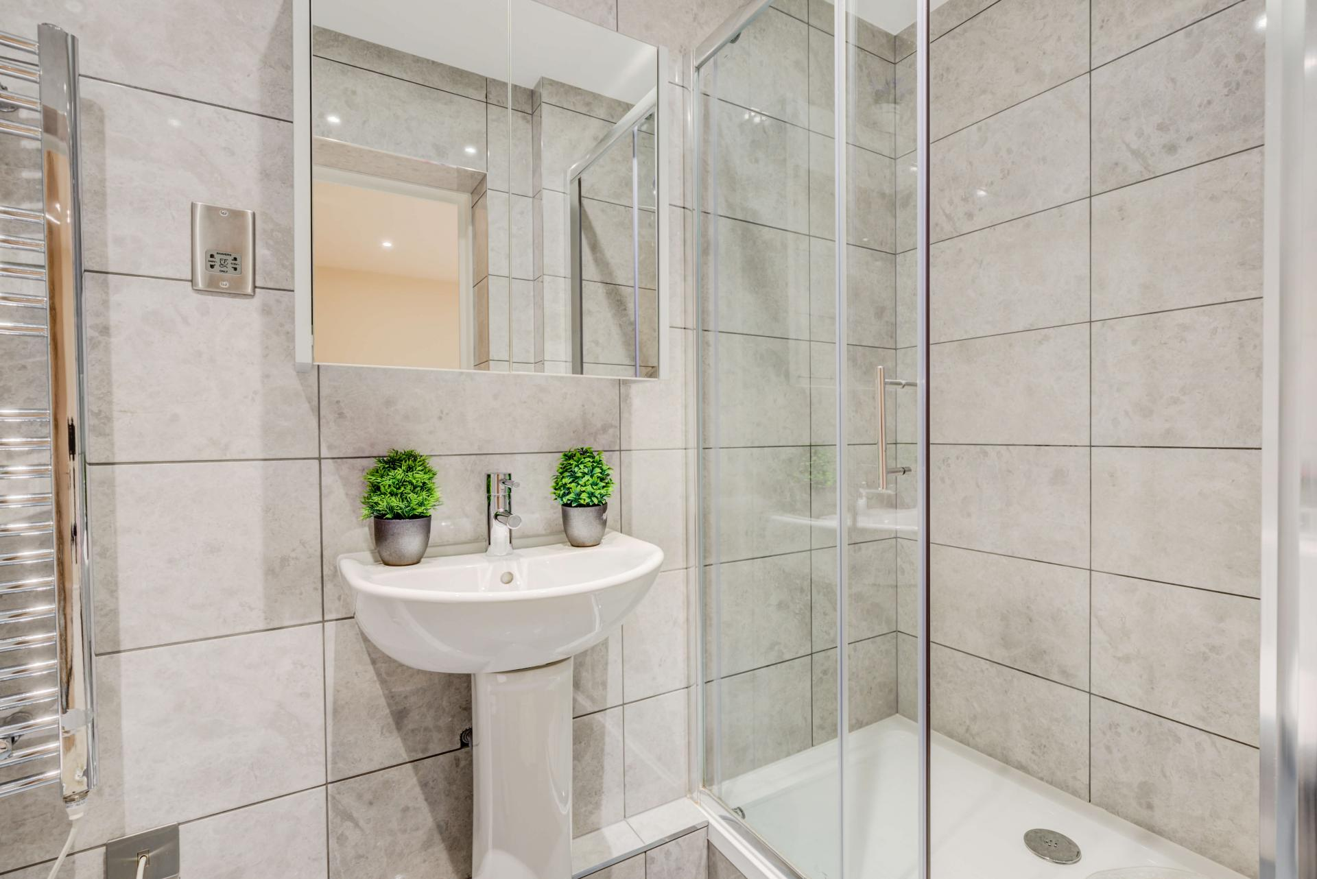 Modern bathroom at Mill Cross Apartment - Citybase Apartments