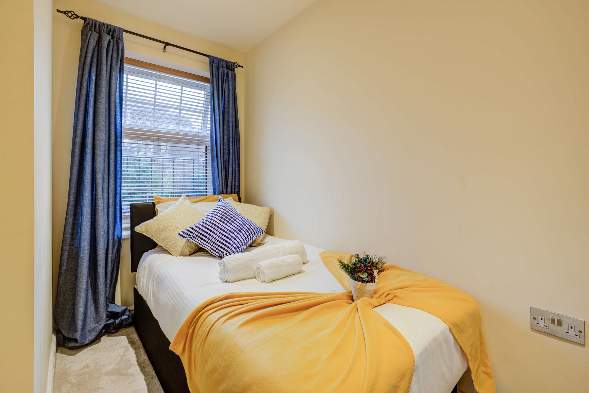 Single bed at Mill Cross Apartment - Citybase Apartments