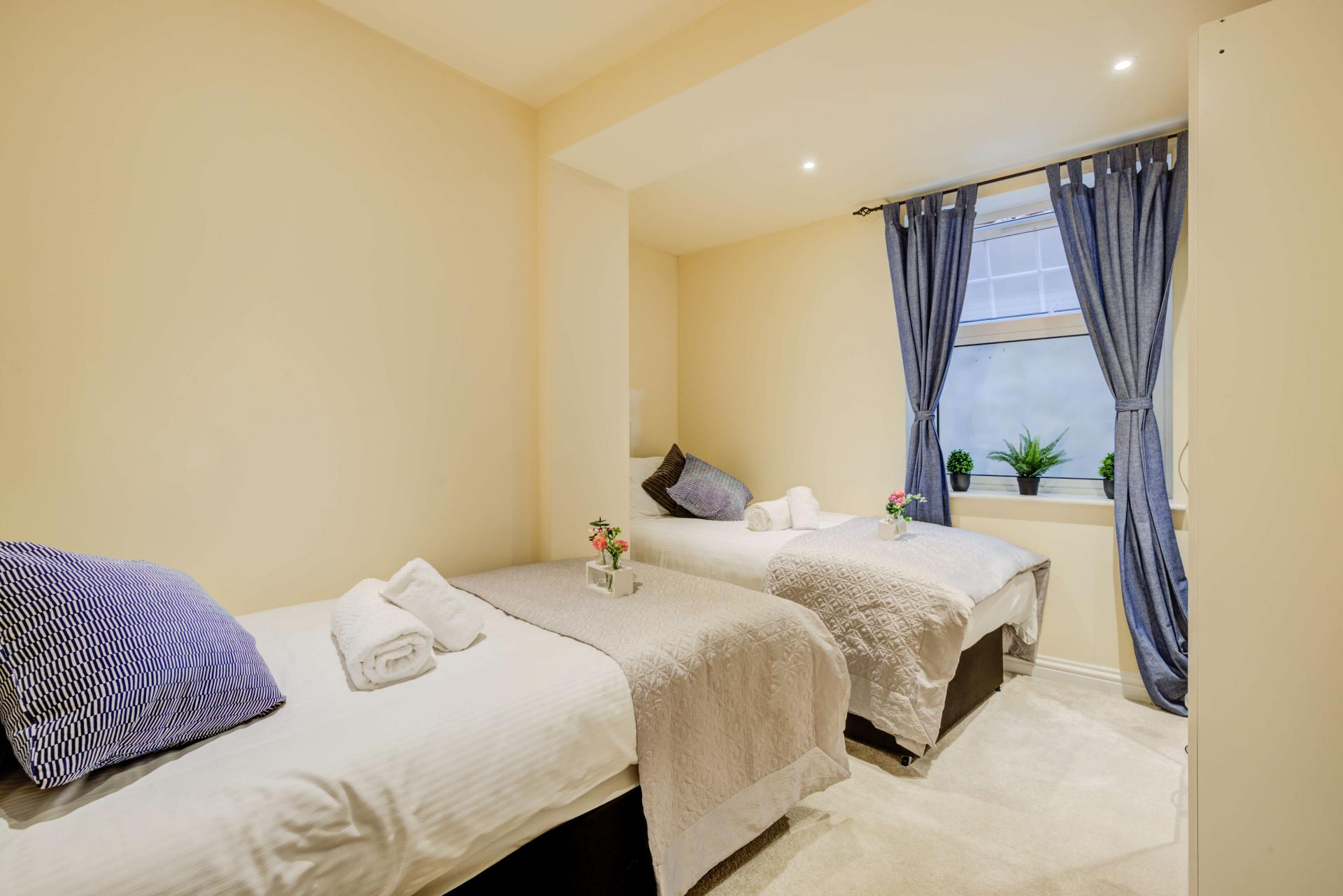 Twin room at Mill Cross Apartment - Citybase Apartments