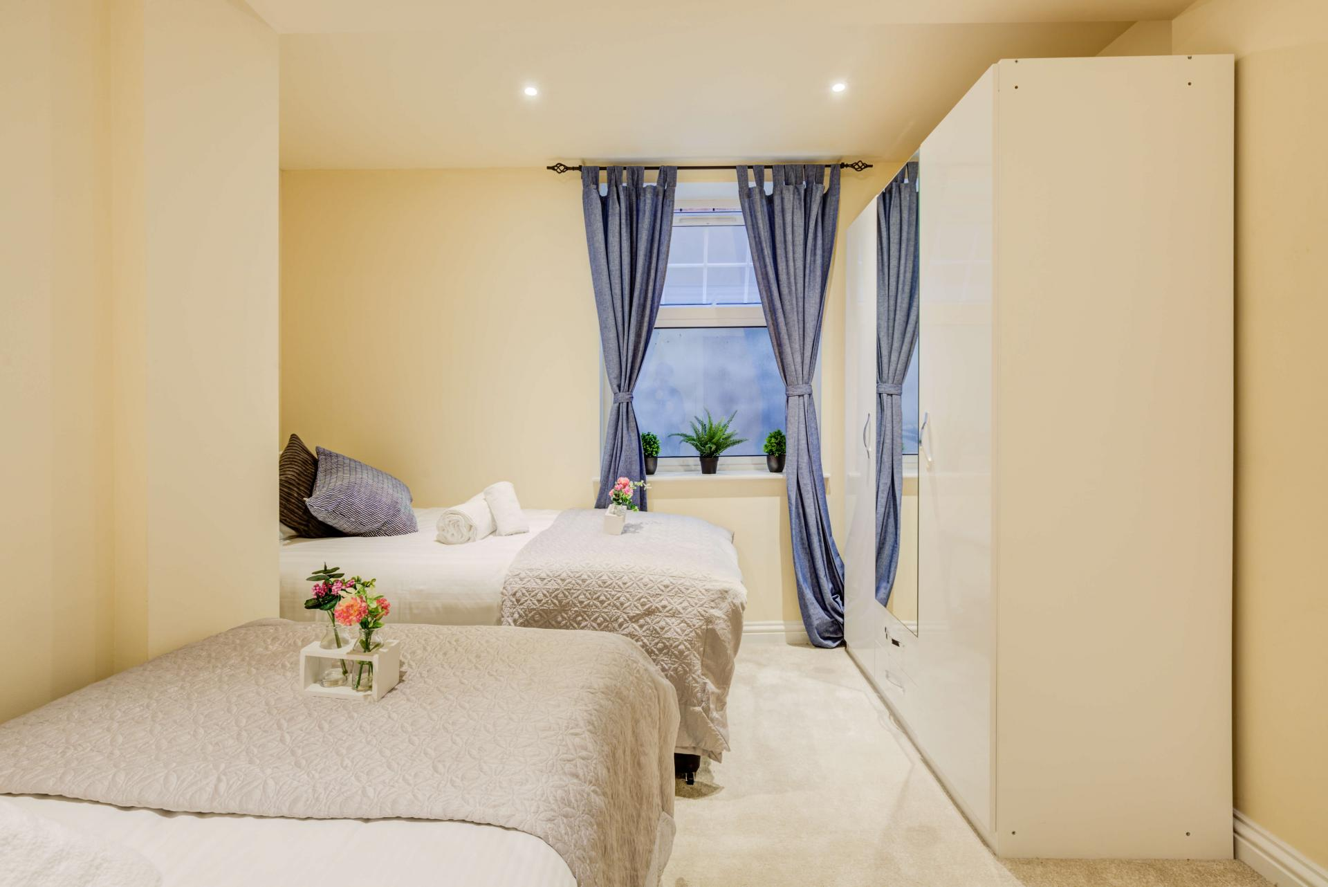 Cosy bedroom at Mill Cross Apartment - Citybase Apartments