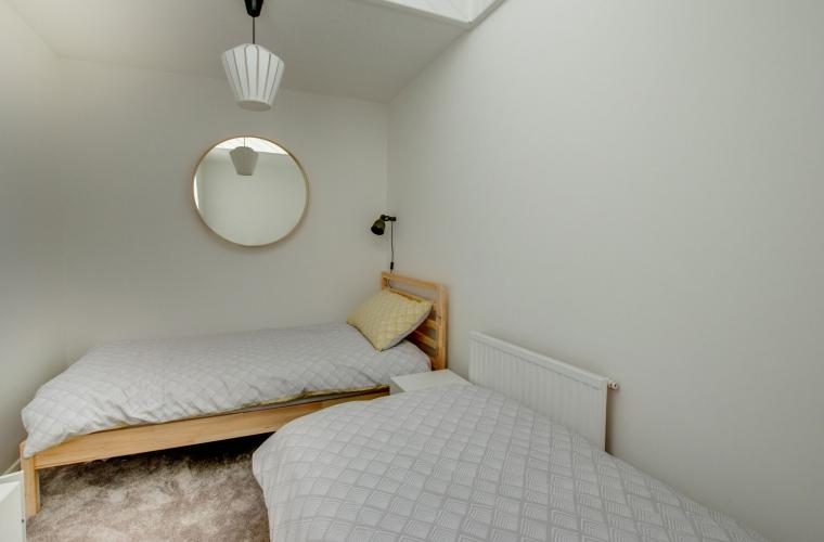 Twin beds at Pontcanna Mews - Citybase Apartments