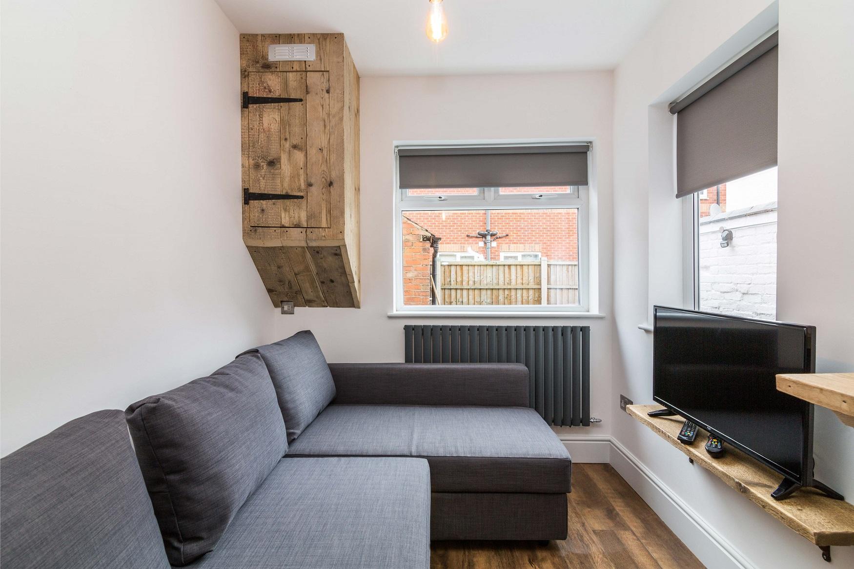Living room at Salisbury Street House - Citybase Apartments