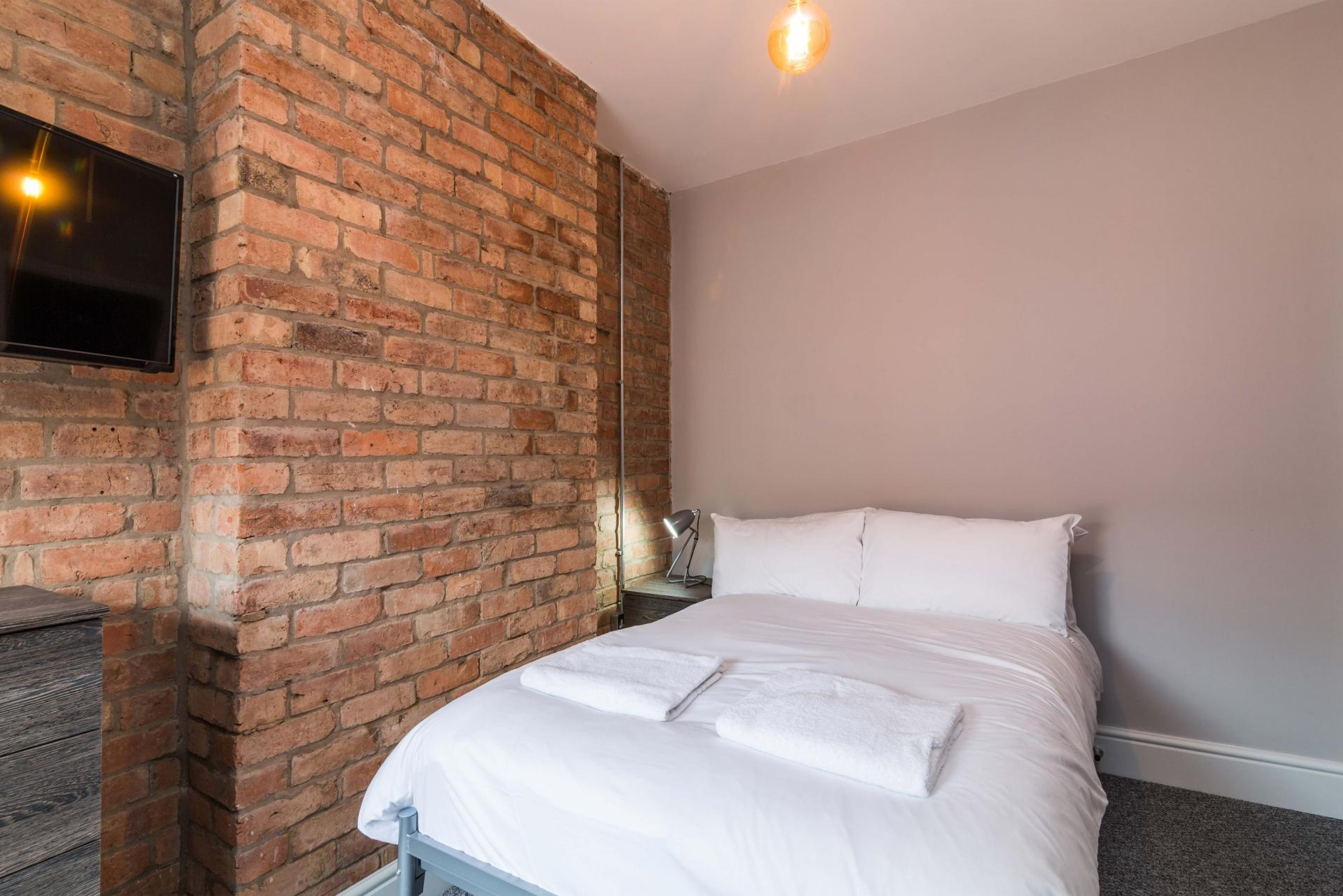 Wall at Salisbury Street House - Citybase Apartments