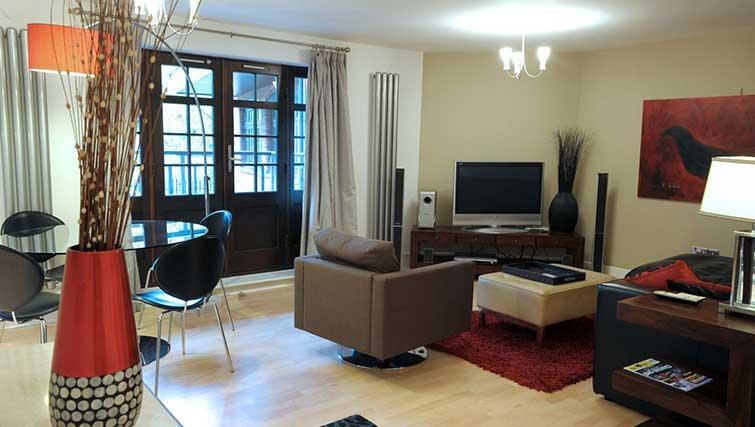 Living area at Blake Mews Apartments - Citybase Apartments