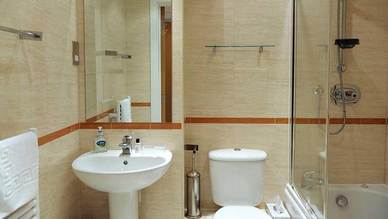 Bathroom at Blake Mews Apartments - Citybase Apartments