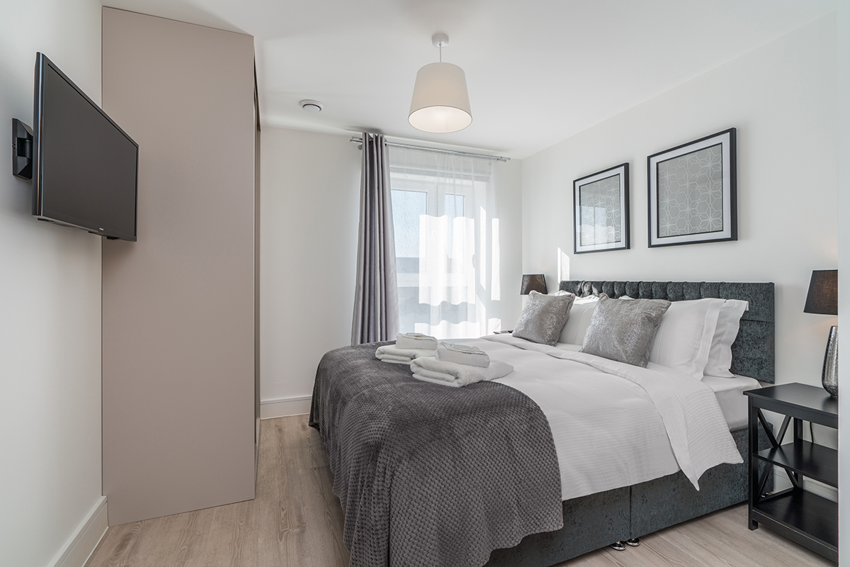 Spacious bedroom at Deanery Court Apartments - Citybase Apartments