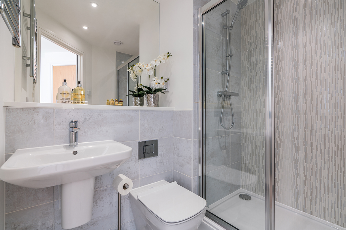 Shower at Deanery Court Apartments - Citybase Apartments