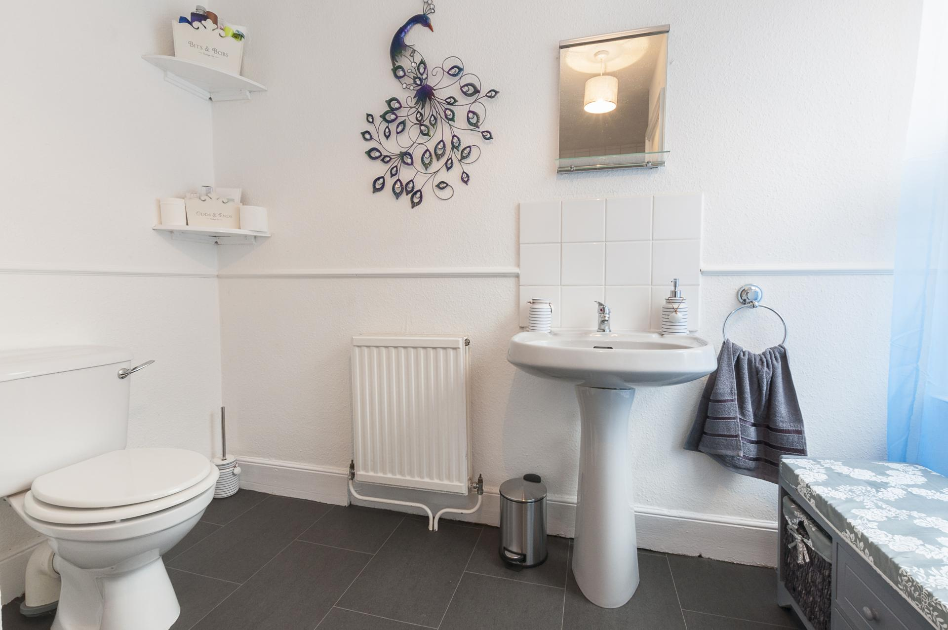 WC at Howell Road Cottage - Citybase Apartments