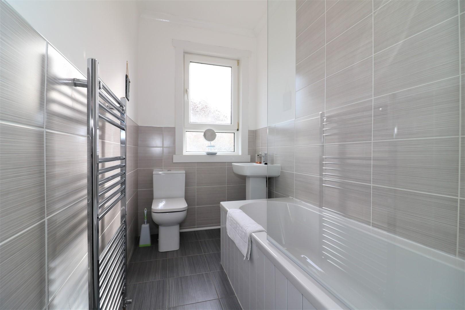 Bathroom at Gartlea House - Citybase Apartments