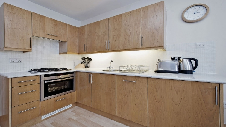 Simplistic kitchen in 6-8 St Christophers Place Apartments - Citybase Apartments