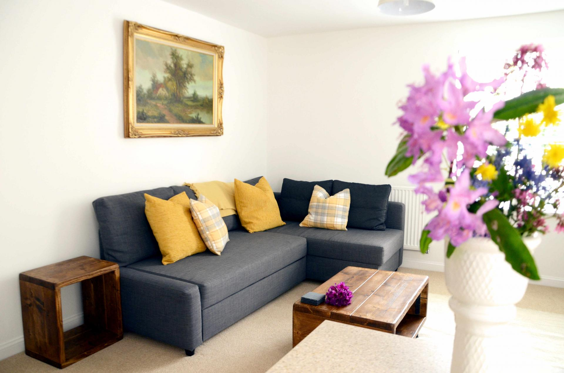 Lounge at Rosso Close Apartments - Citybase Apartments