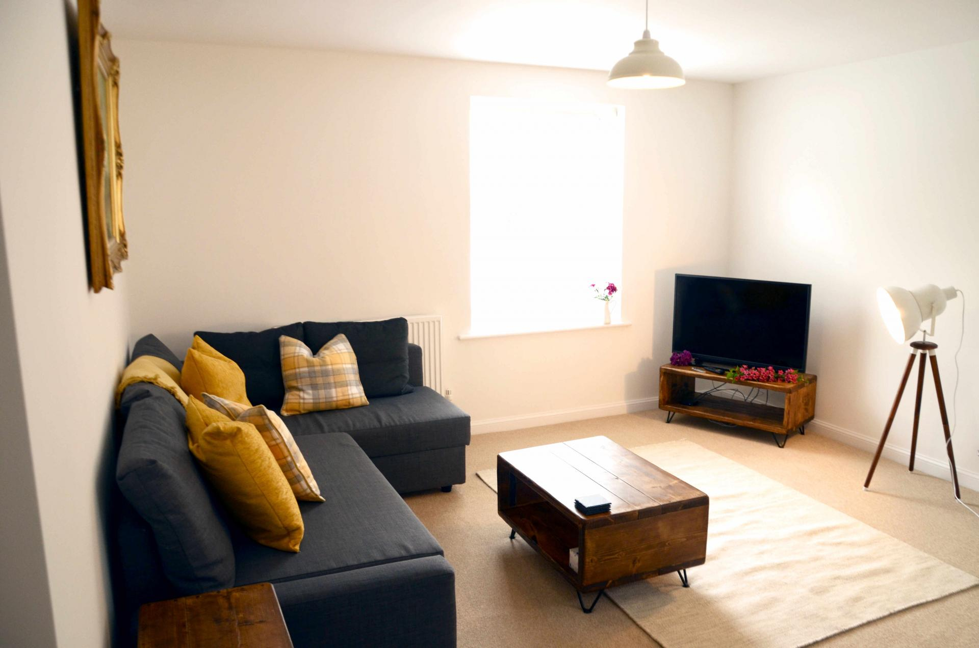 Lounge area at Rosso Close Apartments - Citybase Apartments