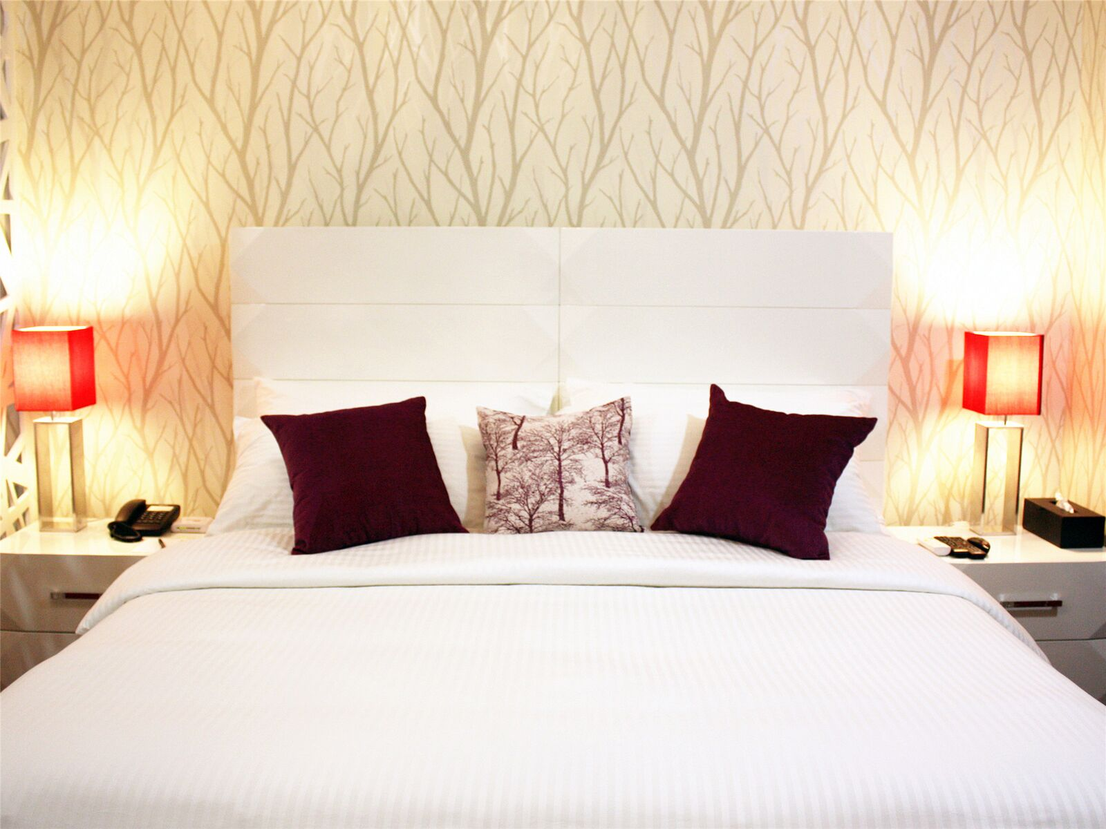 Bed at Alessandro Tower Apartments - Citybase Apartments