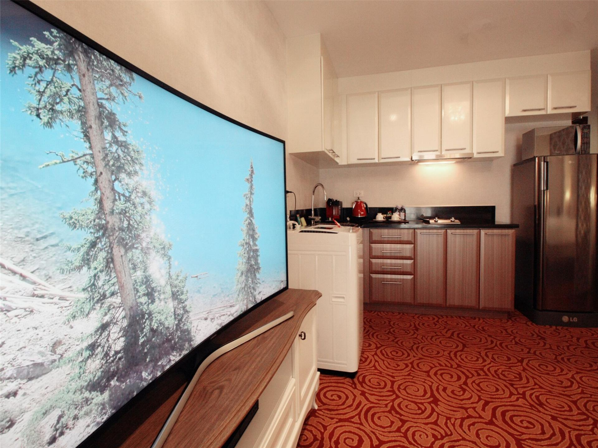 TV at Alessandro Tower Apartments - Citybase Apartments