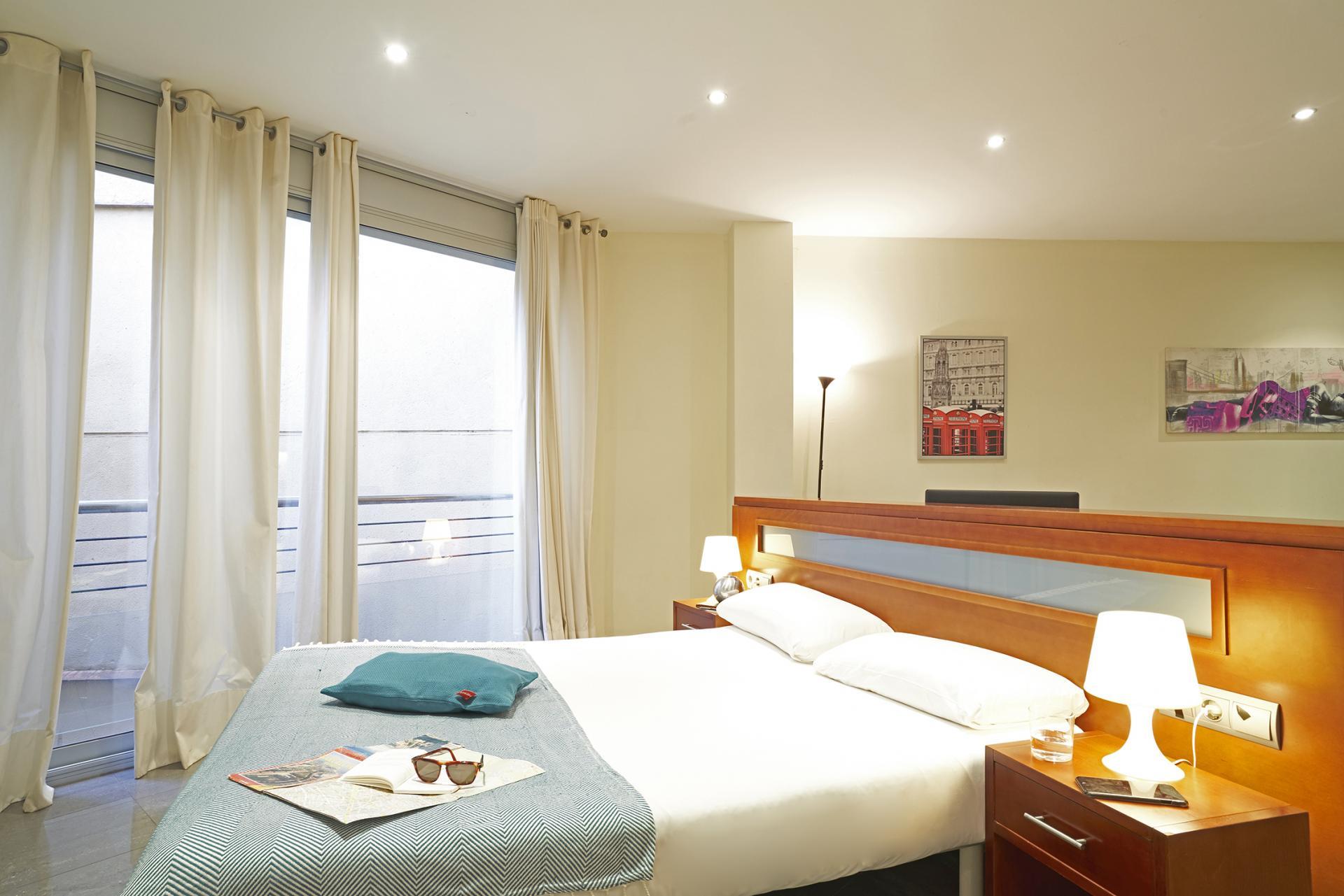 Bedroom at Universidad Apartments - Citybase Apartments