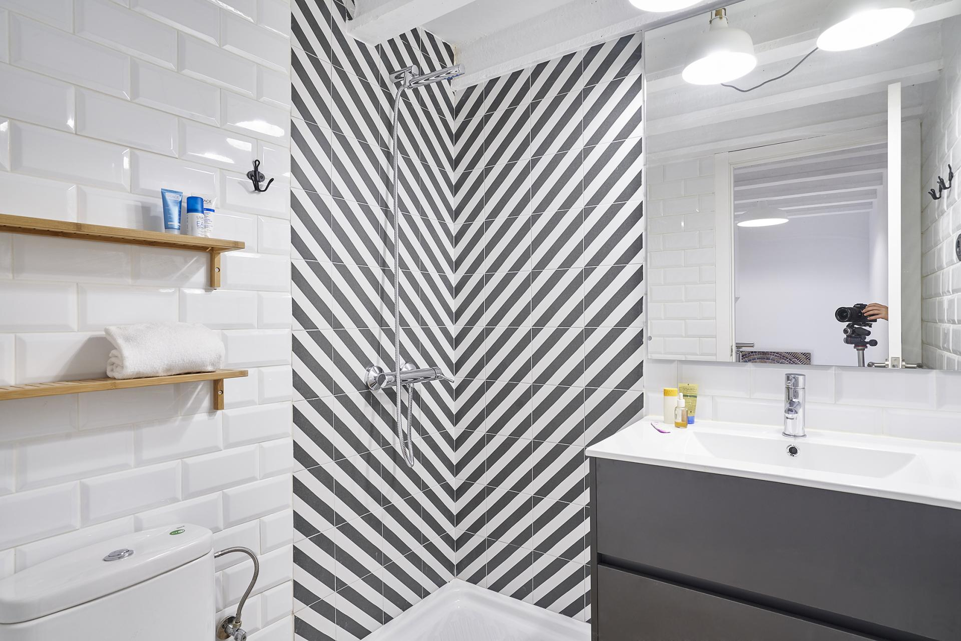 Shower at Eixample Duplex Apartment - Citybase Apartments