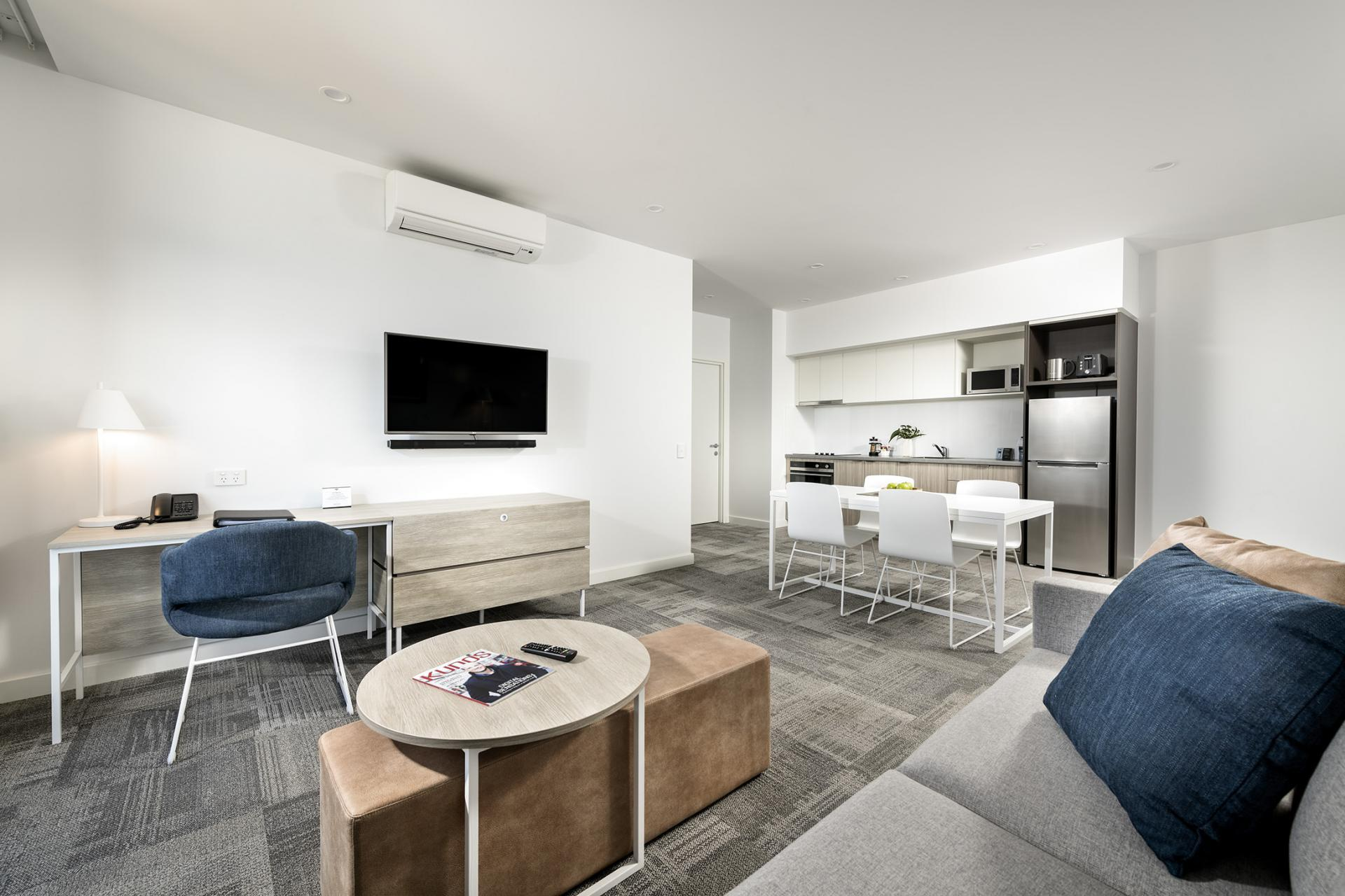 Living room at Quest Midland - Citybase Apartments