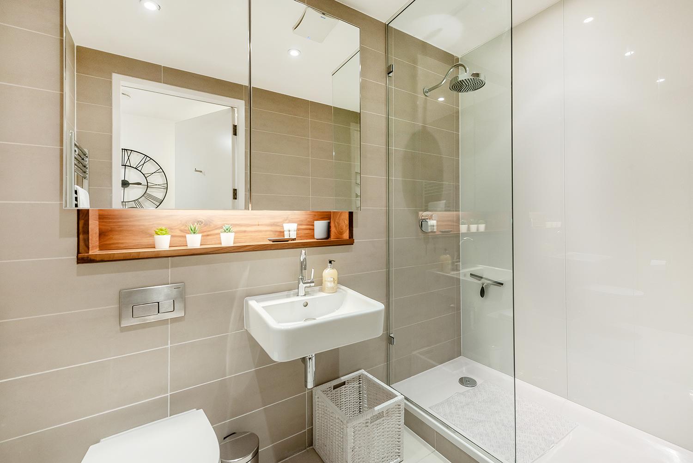 Bathroom at Peter Street Apartment - Citybase Apartments