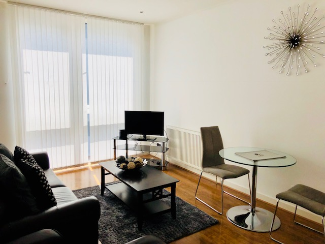 Living room at Oswald Street Serviced Apartments - Citybase Apartments