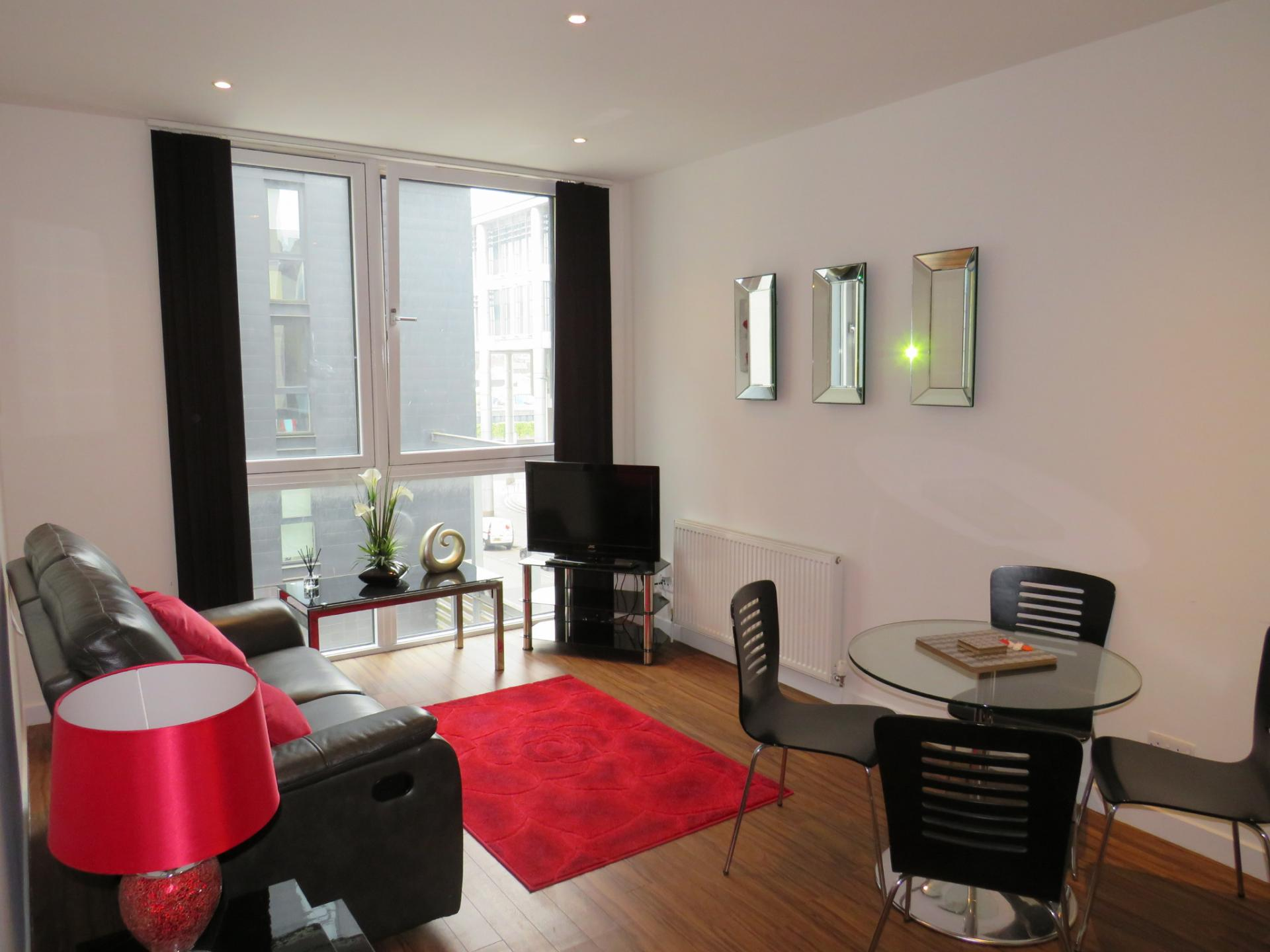 Bright lounge at Oswald Street Serviced Apartments - Citybase Apartments