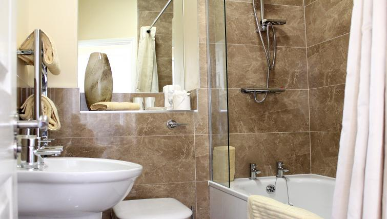 Bathroom in St Davids Apartments - Citybase Apartments