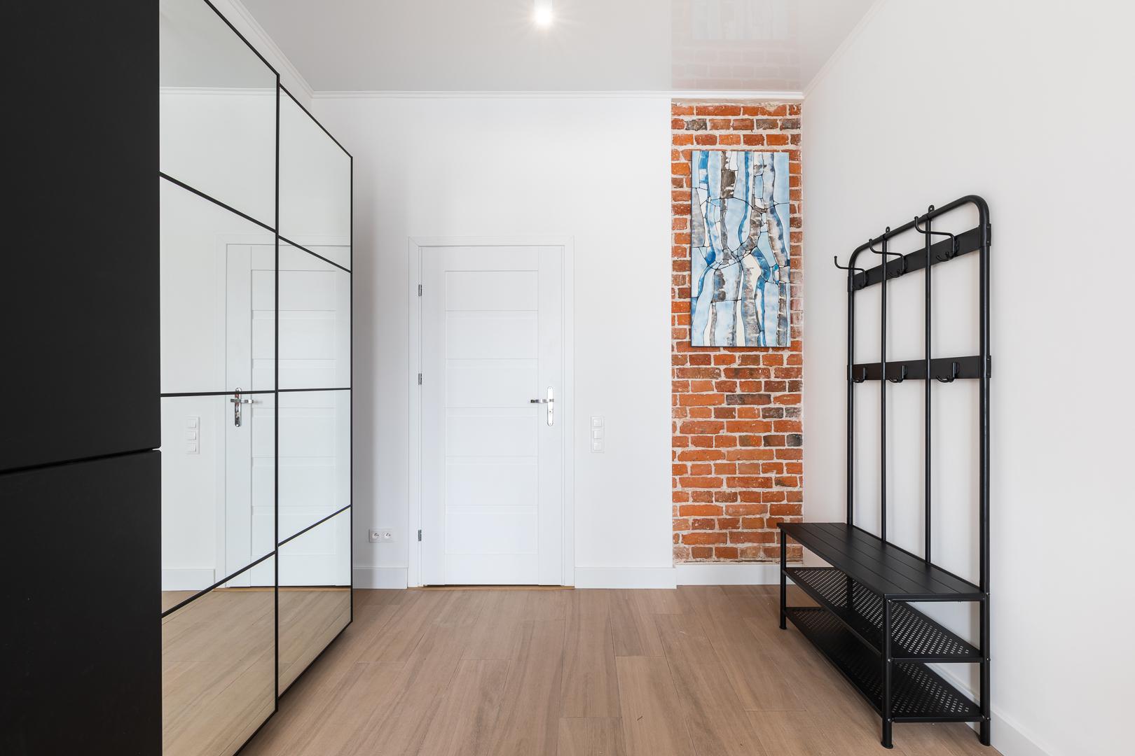 Wardrobe at Wspolna Apartments - Citybase Apartments