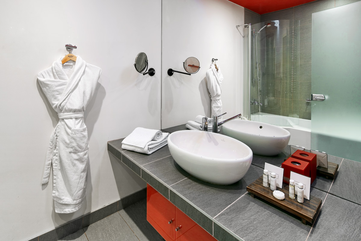 Bathroom at Mamaison All-Suites Spa Hotel Pokrovka - Citybase Apartments