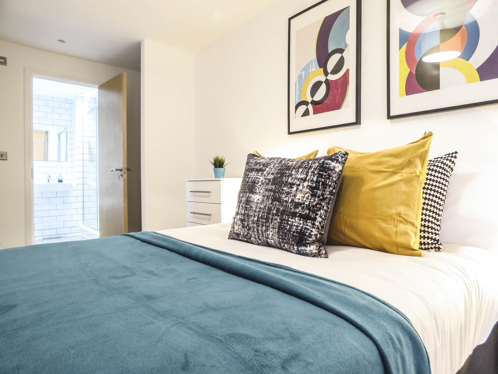 Bedroom at Canal Side Serviced Apartments - Citybase Apartments