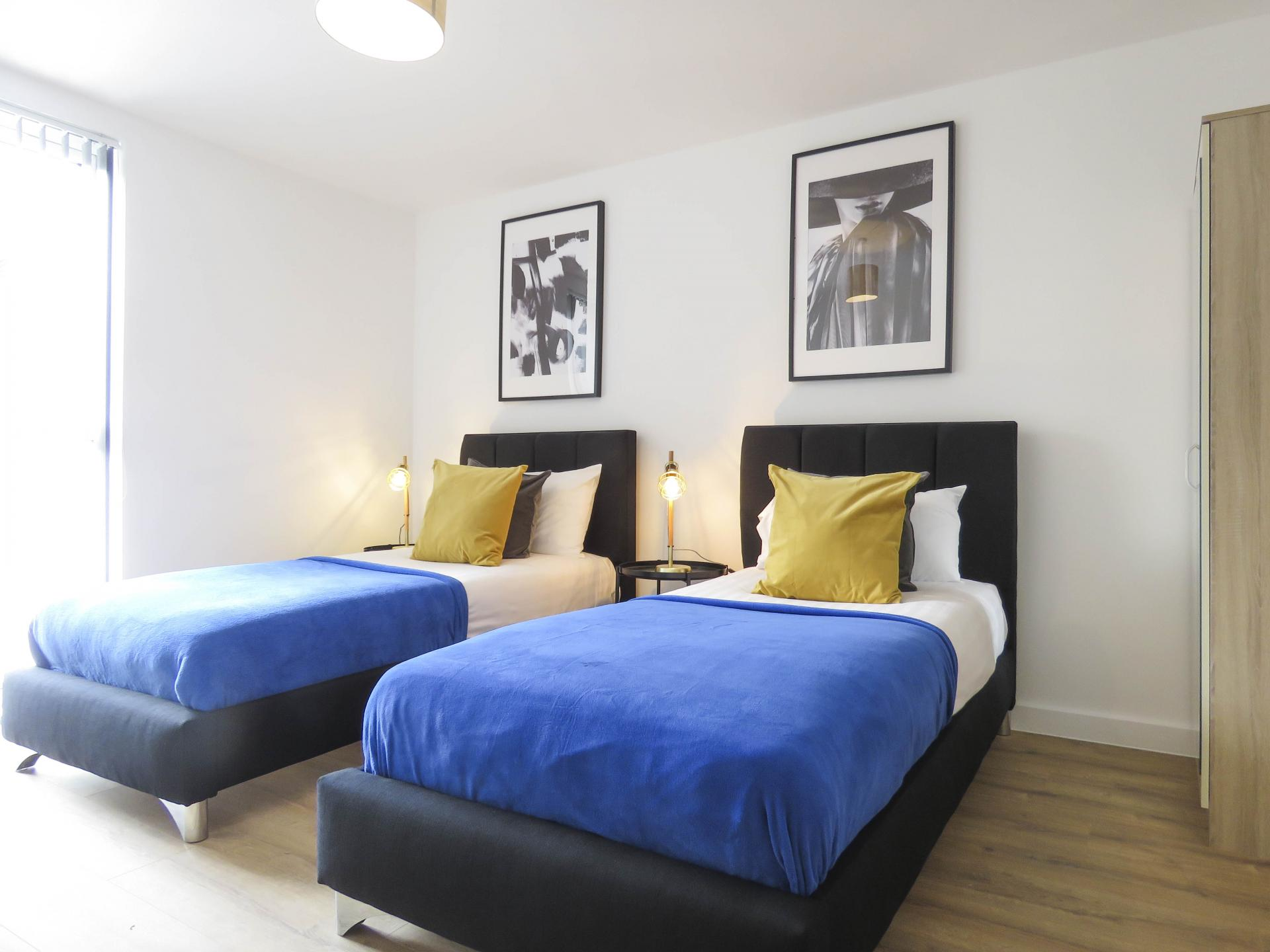 Twin beds at Canal Side Serviced Apartments - Citybase Apartments