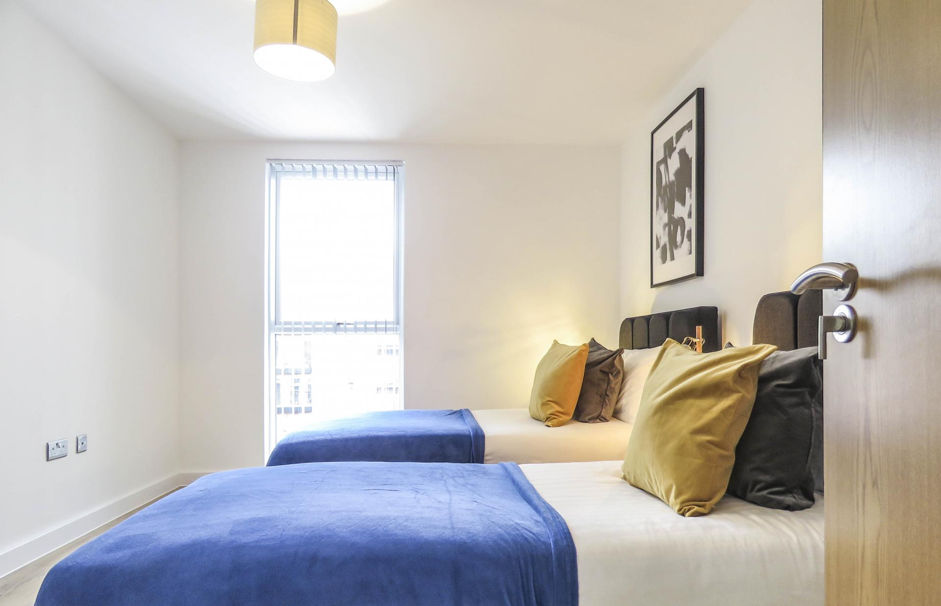 Twin bedroom at Canal Side Serviced Apartments - Citybase Apartments