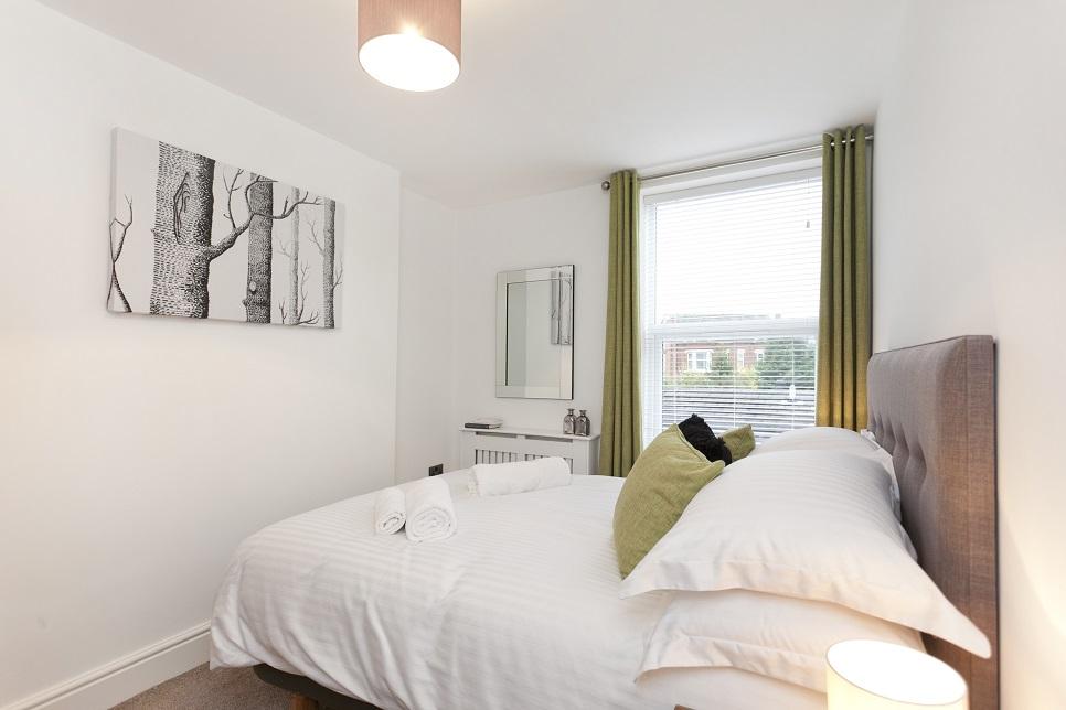 Bedroom at Bowling Green Apartments - Citybase Apartments
