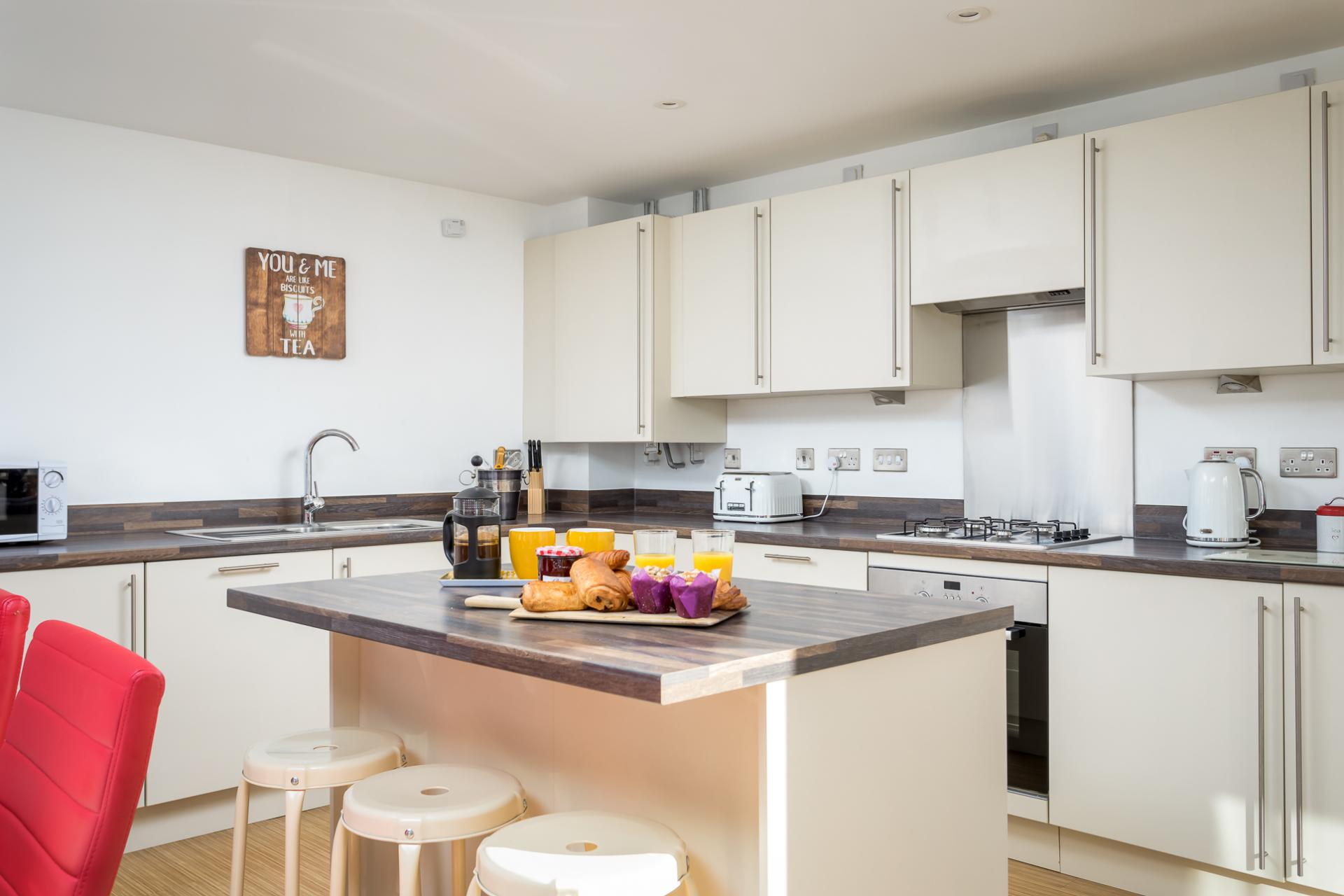 Breakfast bar at Prince Regent Mews Apartment - Citybase Apartments