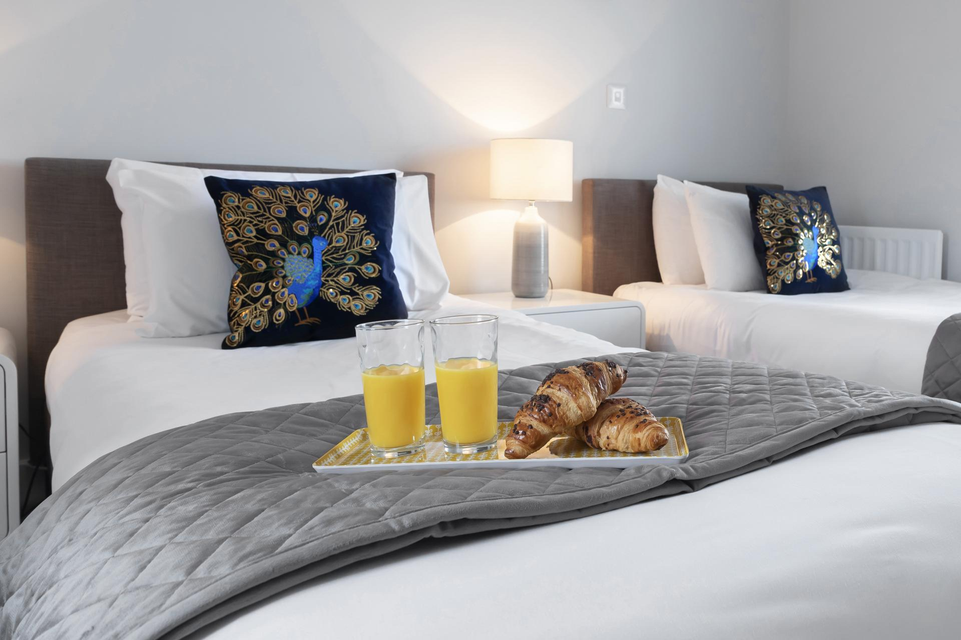 Single beds at Prince Regent Mews Apartment - Citybase Apartments